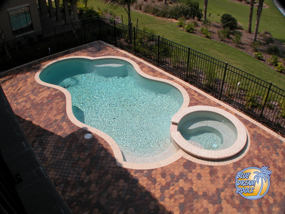 Nice Pool with Round Curves and Features